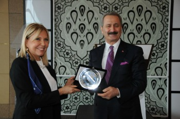 Chambre de commerce franco turque le ministre de l for Chambre de commerce franco turque